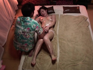 Subtitled Japanese massage clinic honcho woman oil treatment