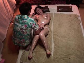 Subtitled Japanese massage clinic honcho woman oil treatment