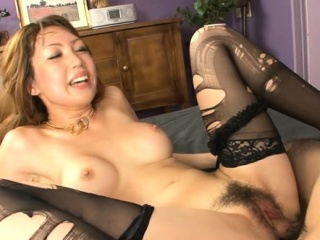 Feel one's way hottie mounts big flannel and fucks depending on she squirts