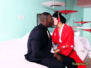 Asian Babe Vivianna Mulino Gets Her Big Tits Sucked Beyond