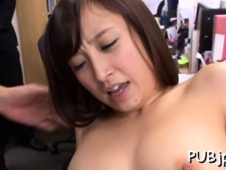 Playsome eastern Ayumi Kimino rides muscle