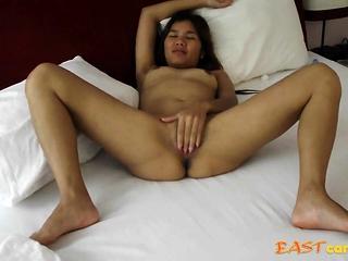 Jaripha Suticost legs to undeceptive Masturbates in advance sex.