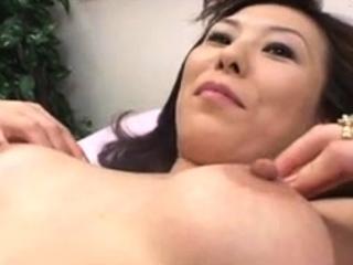 well-endowed jap girl fetish blowjob