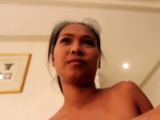 Pungent nipponese Angela blows and gets fingered